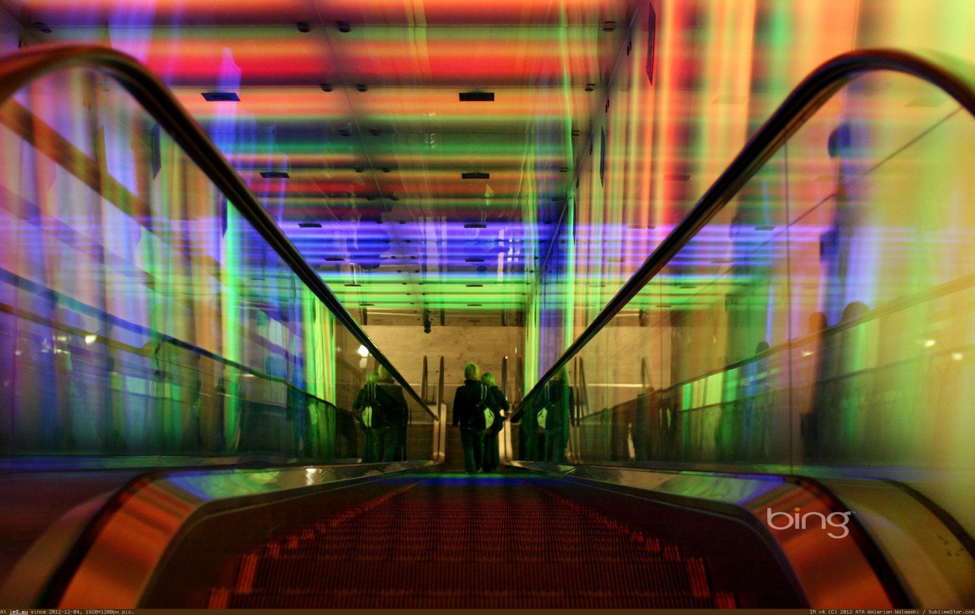 Youtube fashion 2017 - Light Design On Escalators Sees Inc