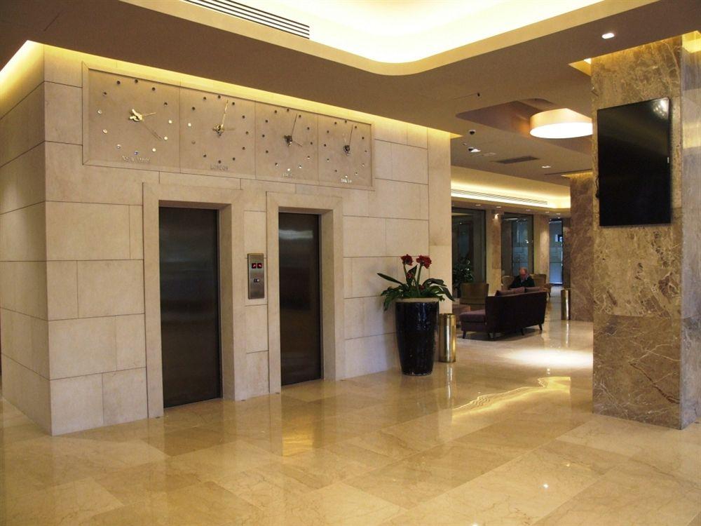Source: http://i1.bookcdn.com/data/Photos/OriginalPhoto/1048/104803/104803871/Grand-Hotel-Mediterraneo-photos-Exterior.JPEG